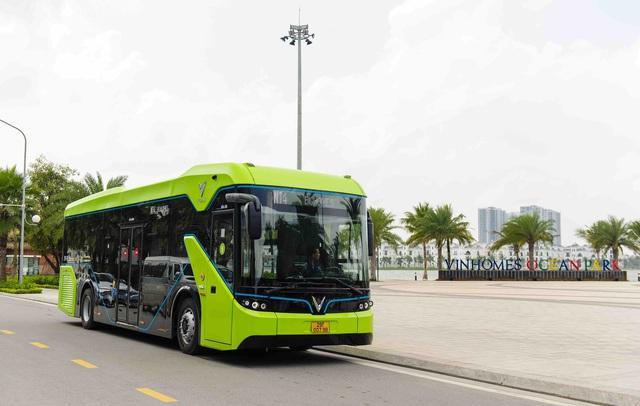 Vinbus chính thức vận hành xe buýt điện thông minh đầu tiên tại Việt Nam - Ảnh 1.