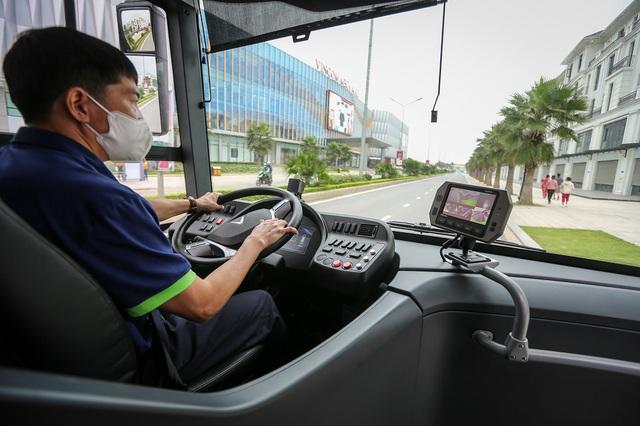 Vinbus chính thức vận hành xe buýt điện thông minh đầu tiên tại Việt Nam - Ảnh 4.
