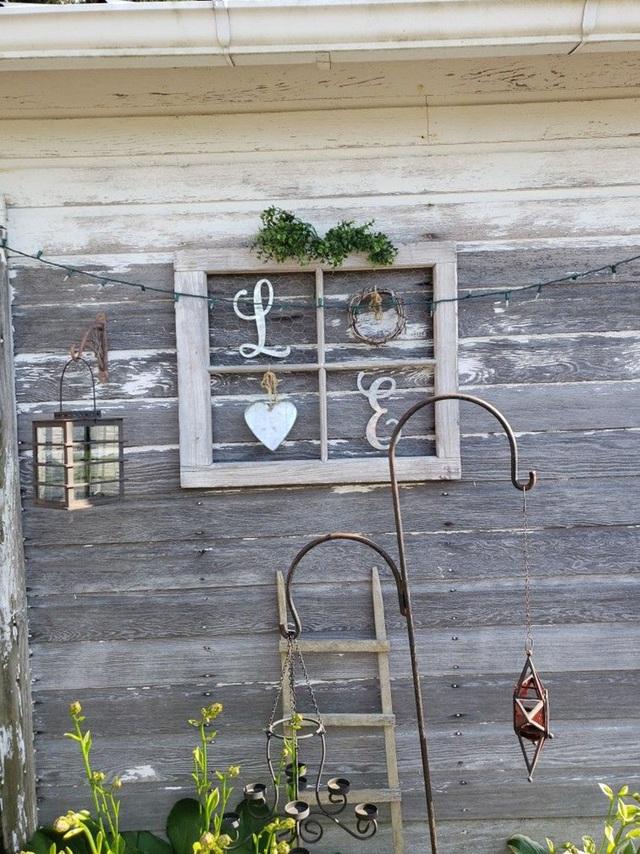 Sáng tạo với khung cửa sổ cũ để trang trí và lưu trữ chất lừ - Ảnh 11.