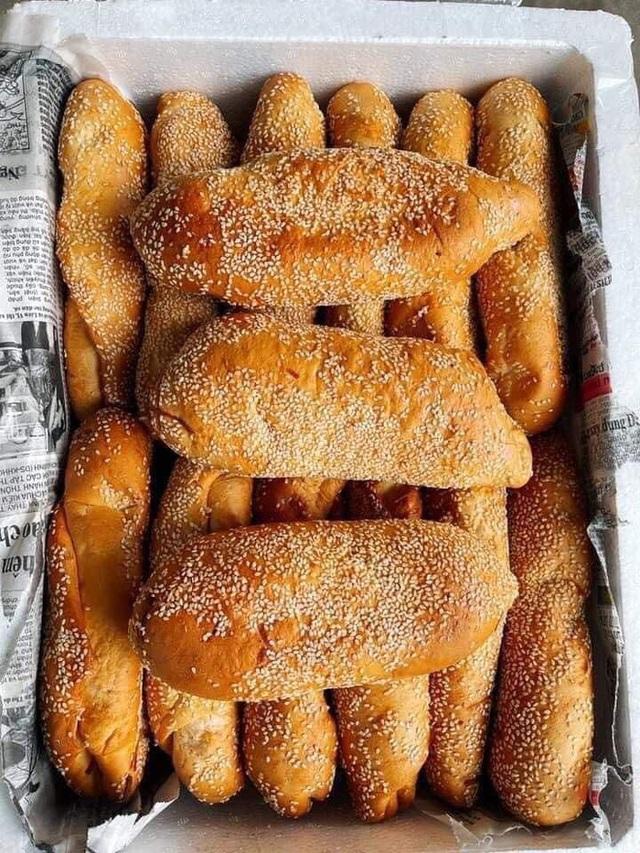 Đặt mua bánh mì siêu dừa, thành phẩm đến tay gây choáng váng: Lưa thưa vài hạt vừng, còn dừa tàng hình - Ảnh 3.