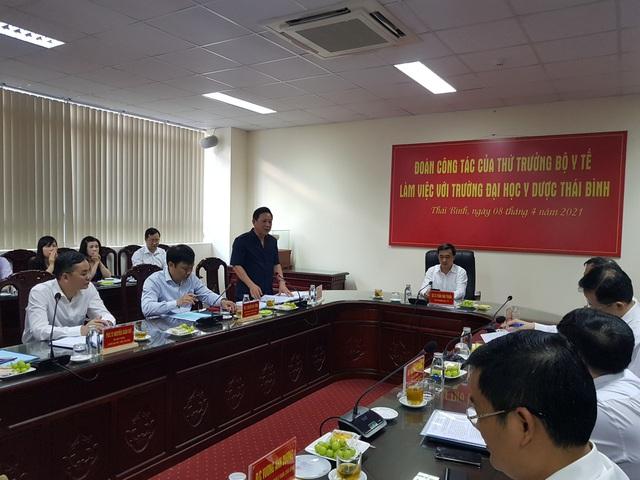 Thứ trưởng Bộ Y tế: ĐH Y Dược Thái Bình đổi mới chương trình, tiếp cận đào tạo đáp ứng nhu cầu thực tiễn xã hội - Ảnh 2.