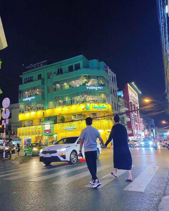 Cuộc sống bỉm sữa của Cường Đô La và Đàm Thu Trang: Từ tay chơi siêu xe có tiếng đến ông bố quần đùi, áo phông chăm con thay vợ - Ảnh 19.