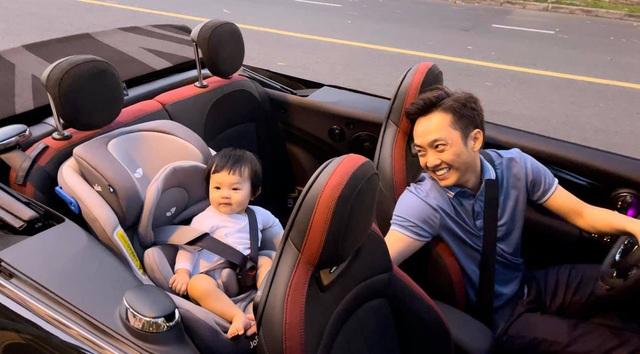 Cuộc sống bỉm sữa của Cường Đô La và Đàm Thu Trang: Từ tay chơi siêu xe có tiếng đến ông bố quần đùi, áo phông chăm con thay vợ - Ảnh 9.