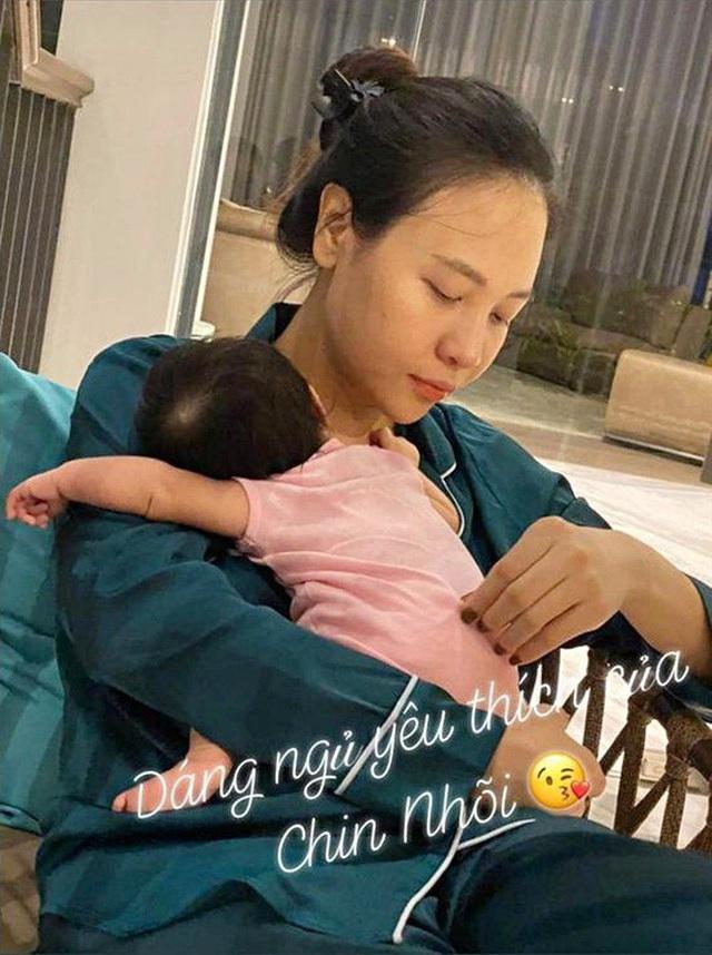 Cuộc sống bỉm sữa của Cường Đô La và Đàm Thu Trang: Từ tay chơi siêu xe có tiếng đến ông bố quần đùi, áo phông chăm con thay vợ - Ảnh 11.