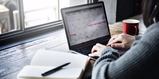 Người thành đạt làm gì vào 10 phút cuối mỗi ngày làm việc? - Ảnh 1.