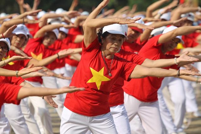 Chủ động thích ứng với già hóa dân số ở Việt Nam, chung tay chăm sóc, phát huy người cao tuổi - Ảnh 1.