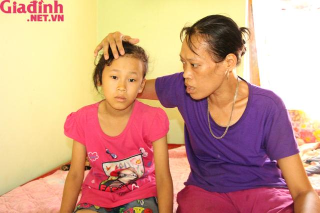 Nỗi đau và mong ước cháy bỏng người mẹ nghèo khuyết tật bị bệnh tật bủa vây nuôi con gái thiểu năng   - Ảnh 12.