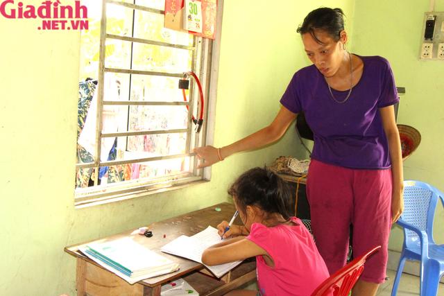Nỗi đau và mong ước cháy bỏng người mẹ nghèo khuyết tật bị bệnh tật bủa vây nuôi con gái thiểu năng   - Ảnh 7.