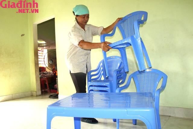 Nỗi đau và mong ước cháy bỏng người mẹ nghèo khuyết tật bị bệnh tật bủa vây nuôi con gái thiểu năng   - Ảnh 2.