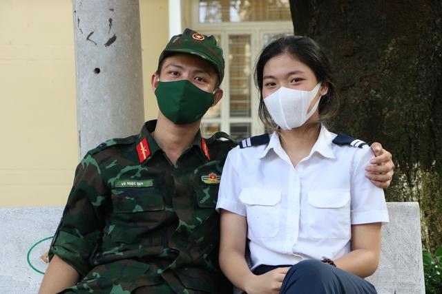 Các chiến sĩ học viên sĩ quan Lục quân 2 rời TP.HCM sau thời gian chống dịch - Ảnh 8.