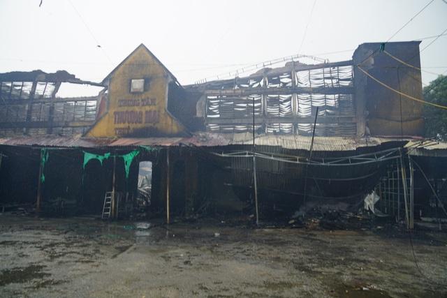 Vụ cháy chợ Núi Đèo (Thủy Nguyên, Hải Phòng): Phút chốc tiểu thương trắng tay - Ảnh 1.