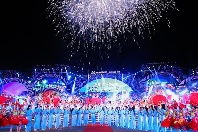 Lễ hội hoa phượng đỏ Hải Phòng trở lại sau một năm lỡ hẹn - Ảnh 1.