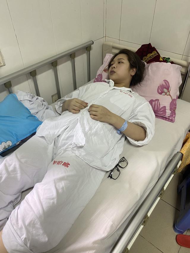 Mồ côi cha, sống xa mẹ, nữ sinh mang trong mình bệnh nặng không có tiền điều trị - Ảnh 2.