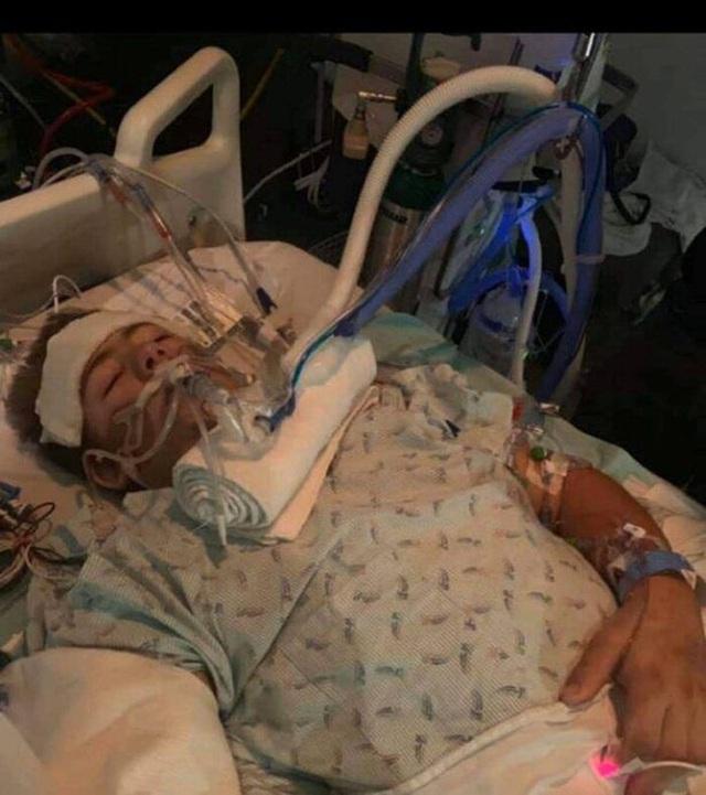 Chàng trai từng bị xe 4 tấn đè nát nửa người vẫn sống sót gây bất ngờ với hình ảnh hiện tại và chuyện tình lay động mọi trái tim - Ảnh 2.