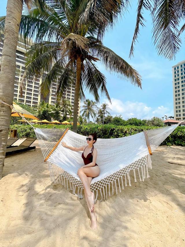Hoa hậu Jennifer Phạm xinh đẹp và viên mãn tuổi 36 - Ảnh 2.