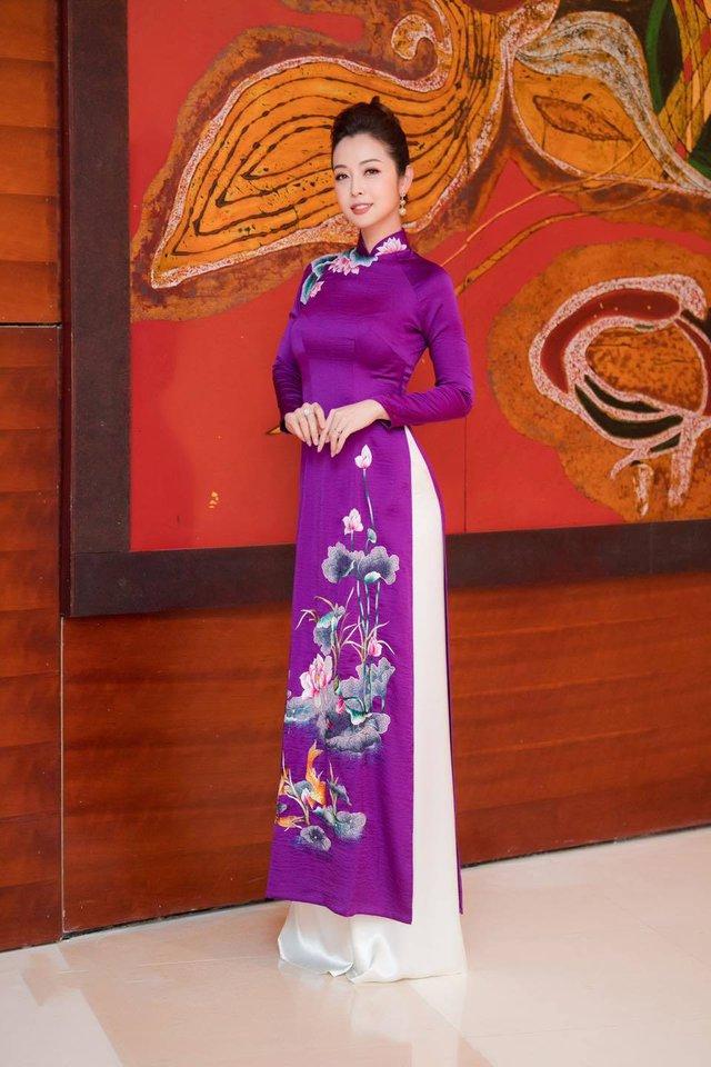 Hoa hậu Jennifer Phạm xinh đẹp và viên mãn tuổi 36 - Ảnh 13.