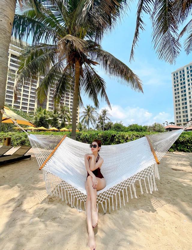 Hoa hậu Jennifer Phạm xinh đẹp và viên mãn tuổi 36 - Ảnh 3.