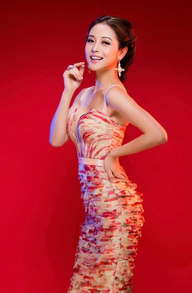 Hoa hậu Jennifer Phạm xinh đẹp và viên mãn tuổi 36 - Ảnh 22.