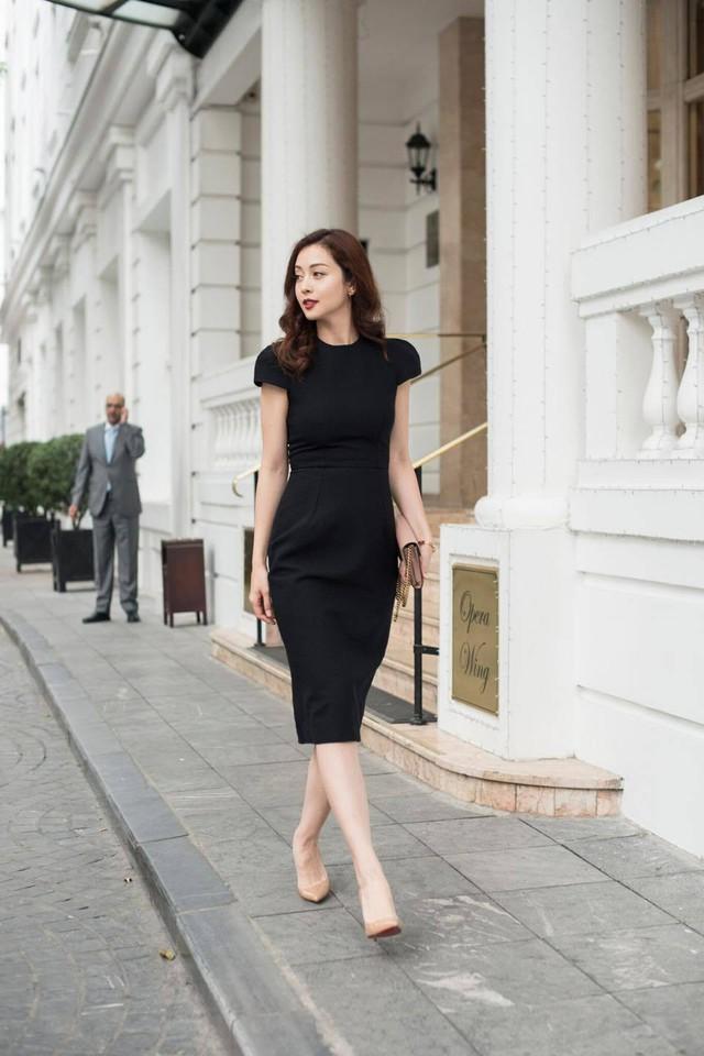 Hoa hậu Jennifer Phạm xinh đẹp và viên mãn tuổi 36 - Ảnh 24.