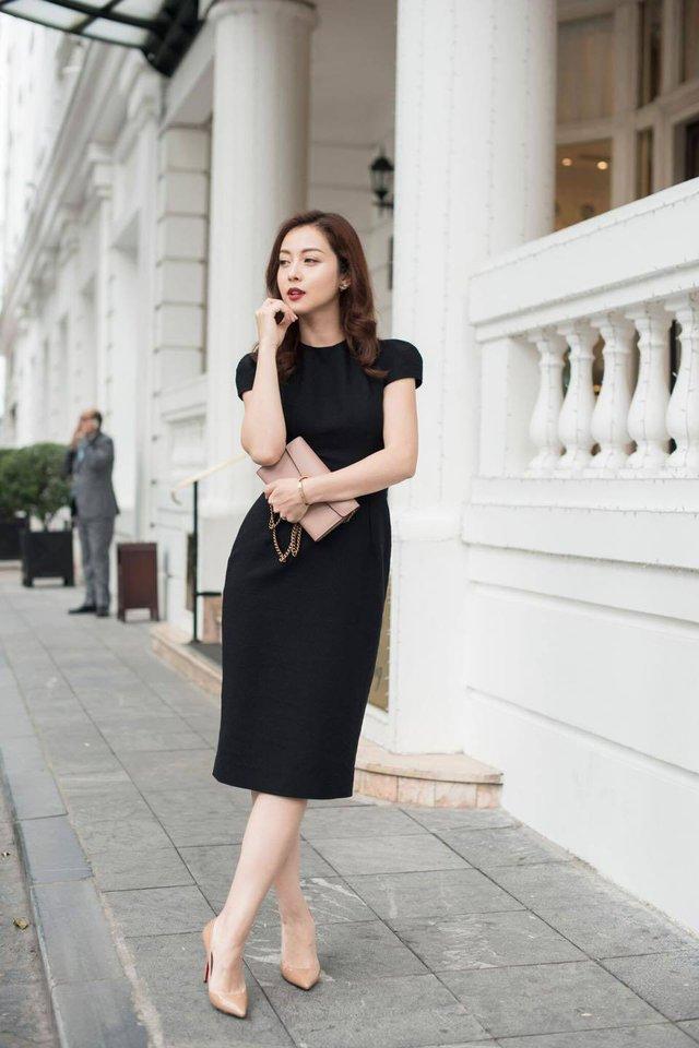 Hoa hậu Jennifer Phạm xinh đẹp và viên mãn tuổi 36 - Ảnh 25.