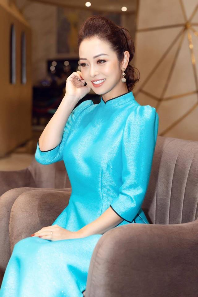 Hoa hậu Jennifer Phạm xinh đẹp và viên mãn tuổi 36 - Ảnh 26.