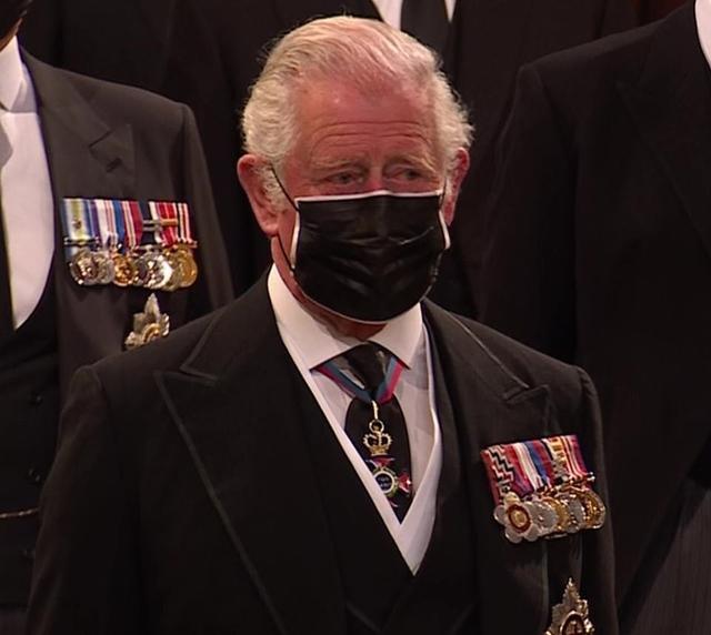 Thái tử Charles rơi nước mắt tiễn đưa cha - Ảnh 7.