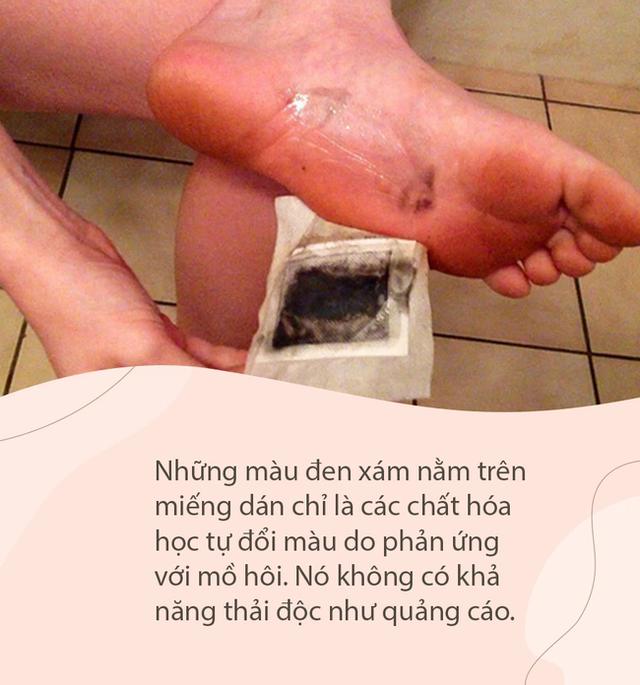 Lật mặt miếng dán thải độc chân dưới góc nhìn của chuyên gia Mỹ: Lợi đâu chưa thấy đã tốn tiền và hỏng… da chân - Ảnh 4.