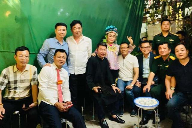Quốc Khánh, Công Lý và dàn nghệ sĩ mừng NSND Tự Long lên lão - Ảnh 6.