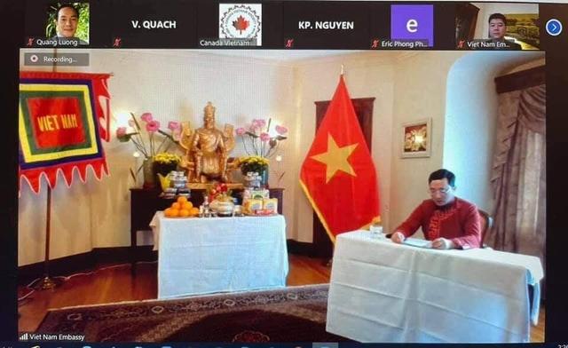 Xúc động không khí kiều bào Việt Nam và người nước ngoài cùng đón giỗ Tổ Hùng Vương - Ảnh 6.