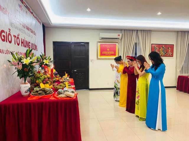 Xúc động không khí kiều bào Việt Nam và người nước ngoài cùng đón giỗ Tổ Hùng Vương - Ảnh 9.