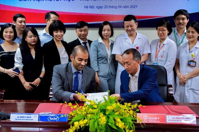 Viện huyết học – Truyền máu Trung ương và Roche Việt Nam hợp tác nâng cao chất lượng chăm sóc và điều trị bệnh huyết học - Ảnh 2.