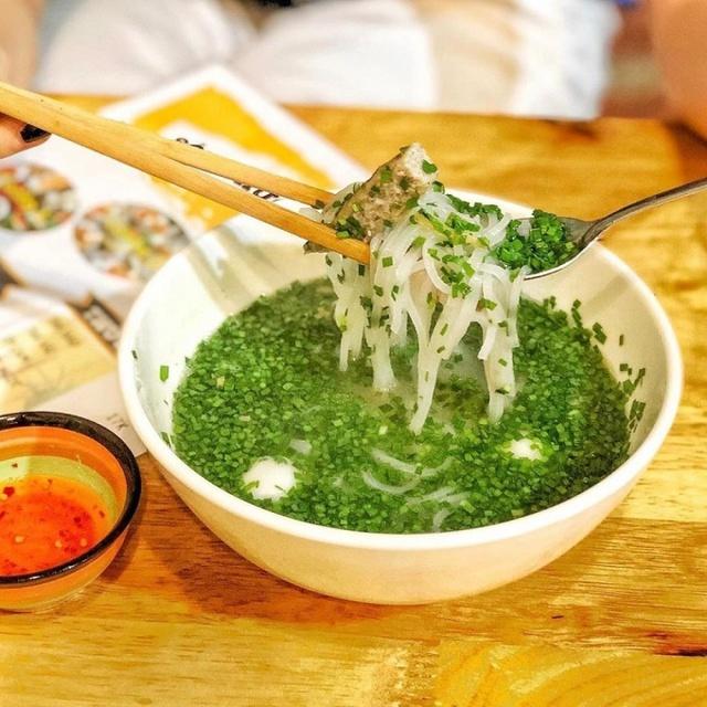 Đặc sản bánh canh nức tiếng Phú Yên rẻ mà ngon líu lưỡi - Ảnh 6.