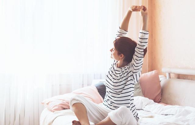Những việc này làm trên giường khi trẻ thì bệnh tật ít hỏi thăm còn hứng khởi cả ngày - Ảnh 4.