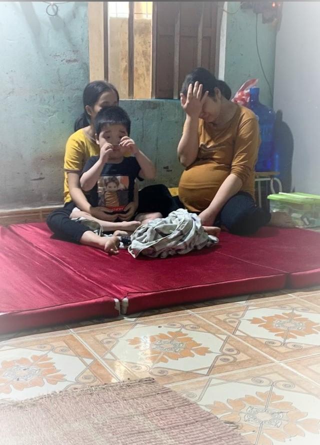 Chồng đột ngột qua đời vì tai nạn giao thông, thai phụ chờ ngày sinh đôi đau đớn gánh nỗi lo hai con bệnh tật - Ảnh 2.