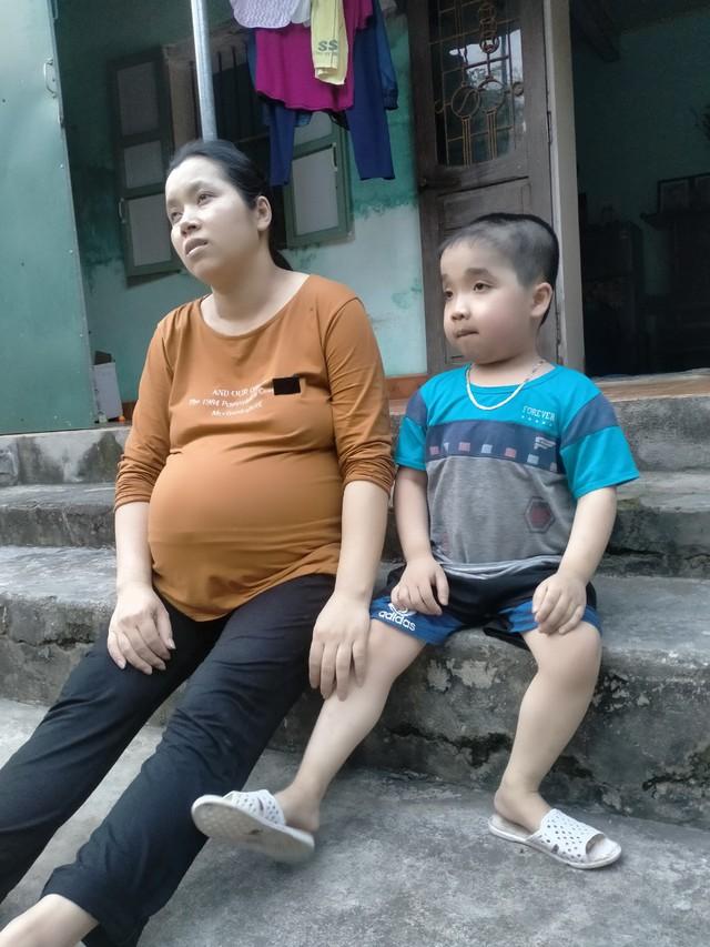 Chồng đột ngột qua đời vì tai nạn giao thông, thai phụ chờ ngày sinh đôi đau đớn gánh nỗi lo hai con bệnh tật - Ảnh 3.
