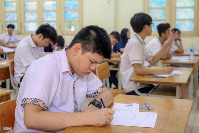 Trường THPT chuyên Khoa học Tự nhiên hoãn thi lớp 10 - Ảnh 1.