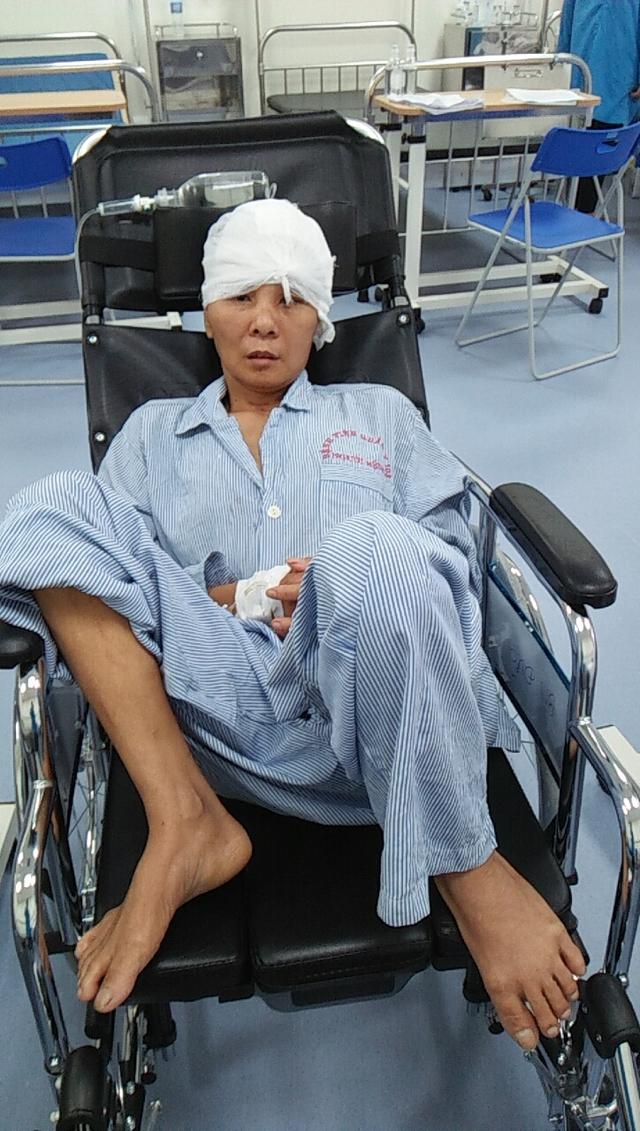 Sức khỏe của người vợ bị tai nạn giao thông có chồng bị ung thư đã có tiến triển - Ảnh 3.