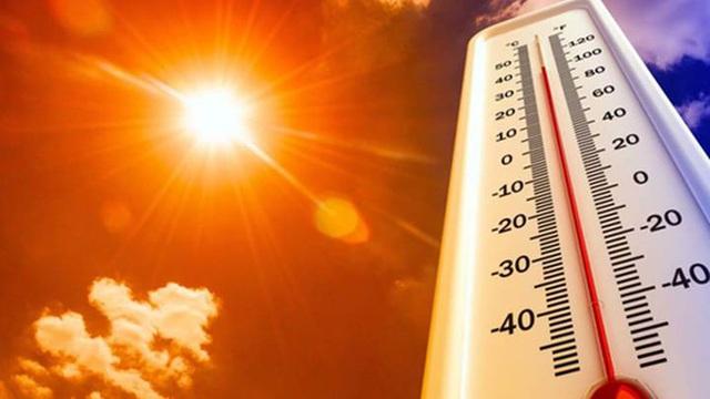 Miền Bắc nắng đổ lửa, nhiều nơi trên 40 độ C: Chuyên gia cảnh báo cẩn trọng sốc nhiệt gây đột quỵ, tử vong! - Ảnh 1.