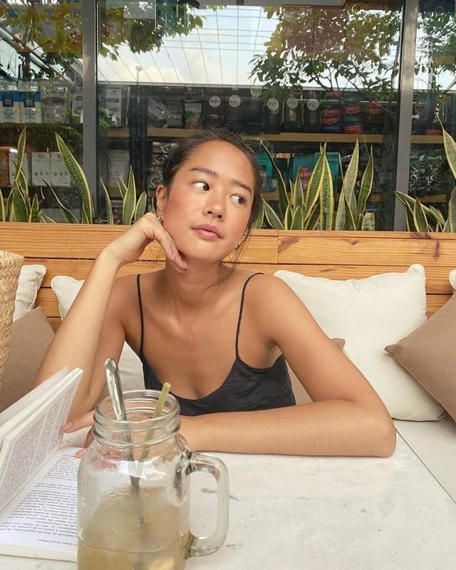 Vẻ đẹp da nâu ngực mỏng của nữ chính trong MV Trốn tìm của Đen Vâu - Ảnh 5.