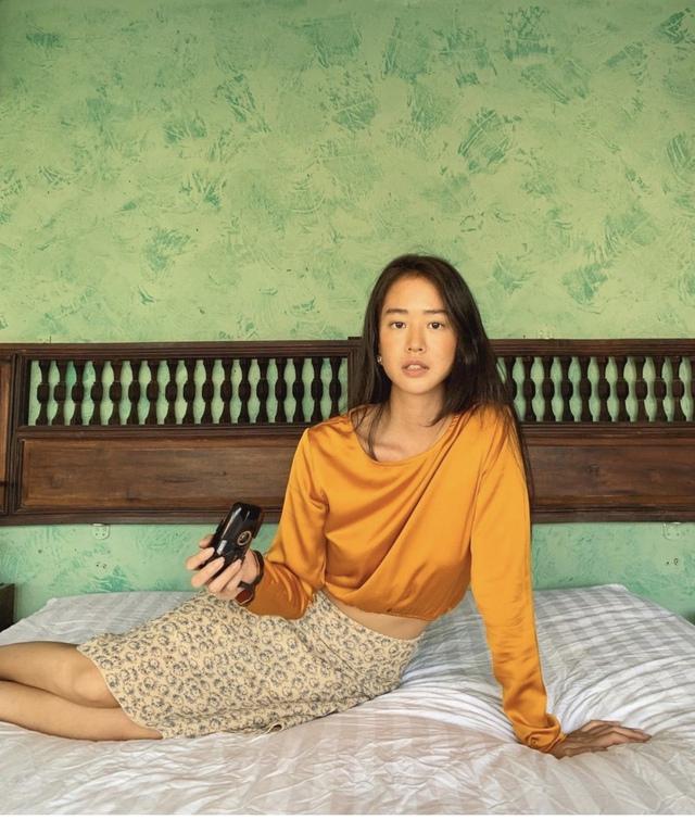 Vẻ đẹp da nâu ngực mỏng của nữ chính trong MV Trốn tìm của Đen Vâu - Ảnh 2.