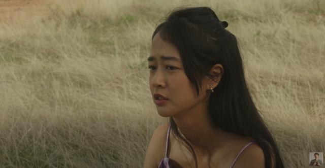 Vẻ đẹp da nâu ngực mỏng của nữ chính trong MV Trốn tìm của Đen Vâu - Ảnh 1.