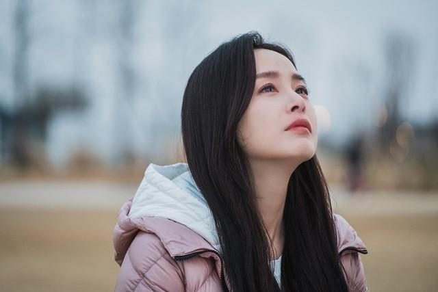Kim Tae Hee 41 tuổi vẫn đẹp rạng ngời - Ảnh 11.