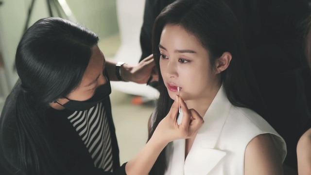 Kim Tae Hee 41 tuổi vẫn đẹp rạng ngời - Ảnh 15.
