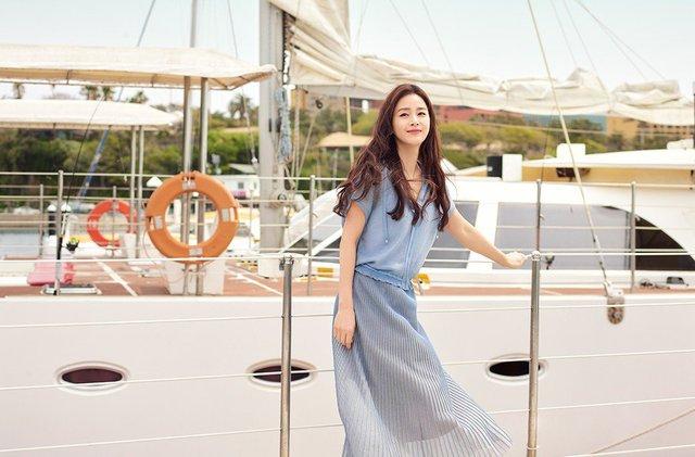 Kim Tae Hee 41 tuổi vẫn đẹp rạng ngời - Ảnh 18.