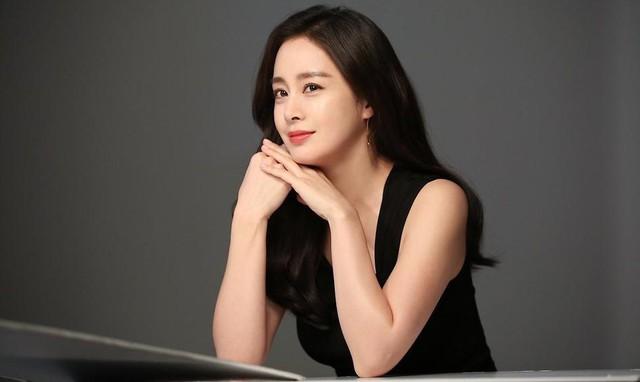 Kim Tae Hee 41 tuổi vẫn đẹp rạng ngời - Ảnh 22.
