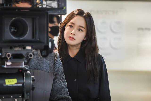 Kim Tae Hee 41 tuổi vẫn đẹp rạng ngời - Ảnh 7.
