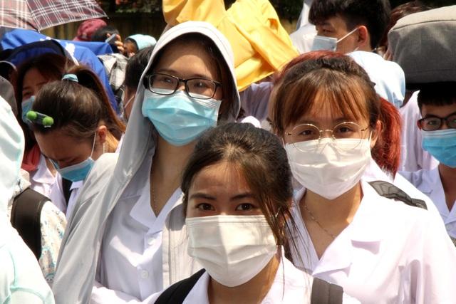 Sinh viên trường y xuất quân chi viện Bắc Ninh, Bắc Giang chống dịch - Ảnh 10.