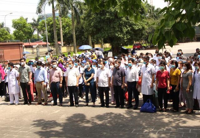 Sinh viên trường y xuất quân chi viện Bắc Ninh, Bắc Giang chống dịch - Ảnh 7.