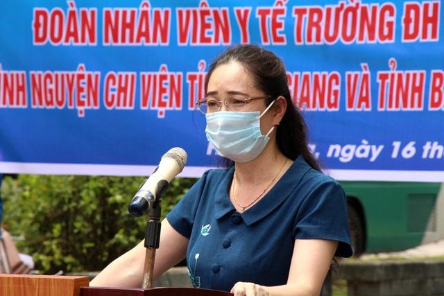 Sinh viên trường y xuất quân chi viện Bắc Ninh, Bắc Giang chống dịch - Ảnh 6.