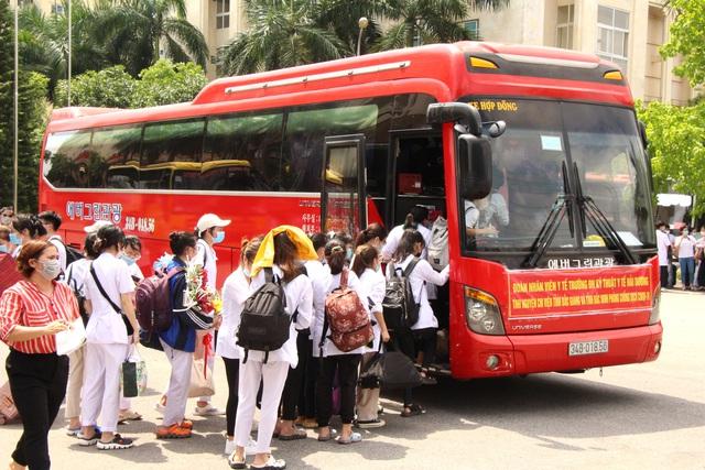 Sinh viên trường y xuất quân chi viện Bắc Ninh, Bắc Giang chống dịch - Ảnh 5.